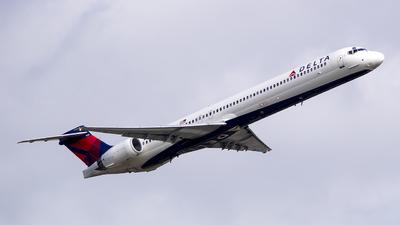 N960DN - McDonnell Douglas MD-90-30 - Delta Air Lines