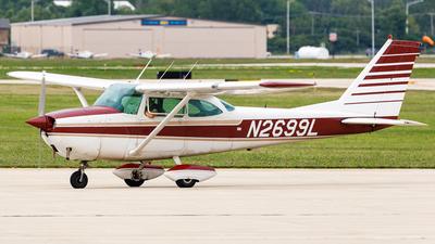 A picture of N2699L - Cessna 172H Skyhawk - [17255899] - © Martin Pinnau