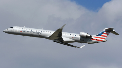 A picture of N563NN - Mitsubishi CRJ900LR - American Airlines - © DJ Reed - OPShots Photo Team