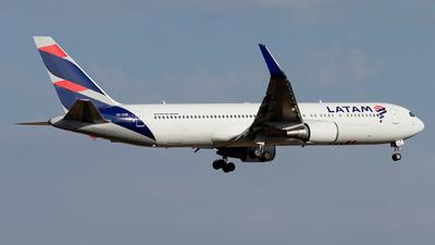 CC-CXE - Boeing 767-316(ER) - LATAM Airlines