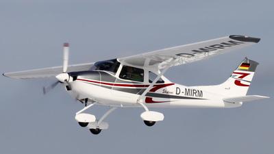 D-MIRM - AirLony Skylane - Private