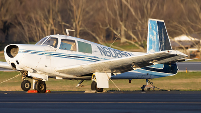 N6085Q - Mooney M20C - Private