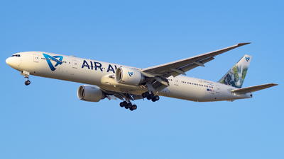 A picture of FOLRE - Boeing 77739M(ER) - Air Austral - © Alexander Listopad