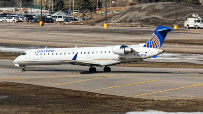 A picture of N743SK - Mitsubishi CRJ701ER - United Airlines - © Andy Fonseca