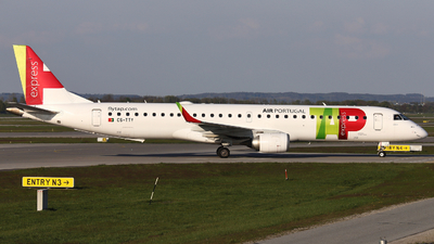 A picture of CSTTY - Embraer E195AR - TAP Express - © Domi Einert