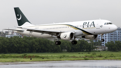 AP-BLC - Airbus A320-214 - Pakistan International Airlines (PIA)