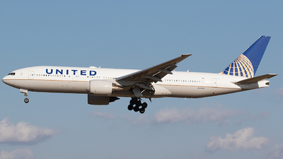 A picture of N229UA - Boeing 777222(ER) - United Airlines - © BennyH