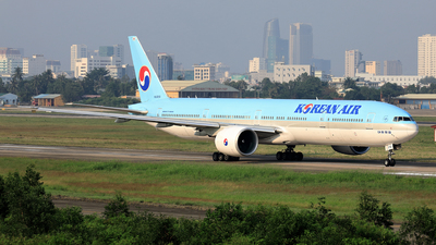 HL8210 - Boeing 777-3B5ER - Korean Air