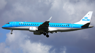 A picture of PHEXF - Embraer E190STD - KLM - © R. Eikelenboom