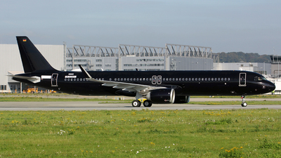 D-AZAT - Airbus A321-253NX - Titan Airways