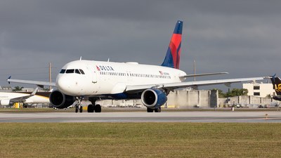 A picture of N376NW - Airbus A320212 - Delta Air Lines - © Alexandre Fazan