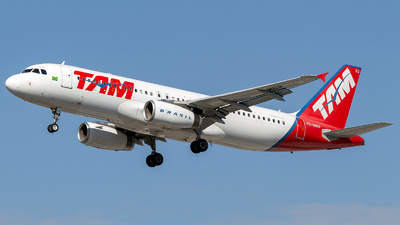 PR-MBA - Airbus A320-232 - TAM Linhas Aéreas