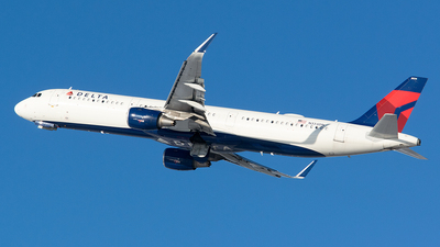 A picture of N334DN - Airbus A321211 - Delta Air Lines - © John Newsome