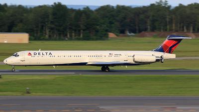 N904DL - McDonnell Douglas MD-88 - Delta Air Lines