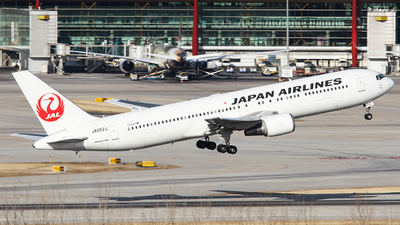 JA652J - Boeing 767-346(ER) - Japan Airlines (JAL)