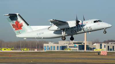 C-GTAI - Bombardier Dash 8-102 - Air Canada Express (Jazz Aviation)