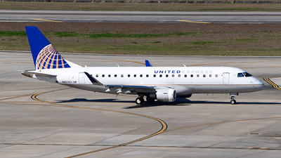 A picture of N85351 - Embraer E175LR - United Airlines - © Rocky Wang
