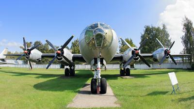 01 - Tupolev Tu-4 Bull - Soviet Union - Air Force