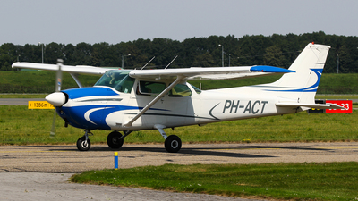 A picture of PHACT - Cessna 172M Skyhawk - [17267244] - © C. v. Grinsven