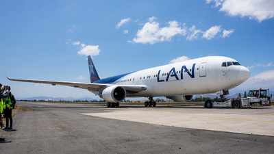 LV-CFV - Boeing 767-316(ER) - LAN Argentina