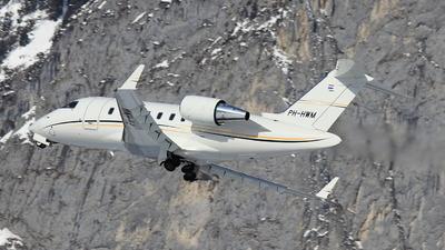 PH-HWM - Bombardier CL-600-2B16 Challenger 605 - JetNetherlands
