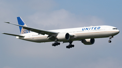 N2639U - Boeing 777-322ER - United Airlines