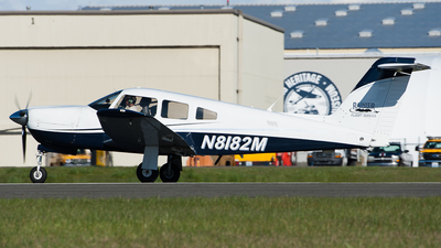 A picture of N8182M - Piper PA28RT201 - [28R8018058] - © SpotterPowwwiii