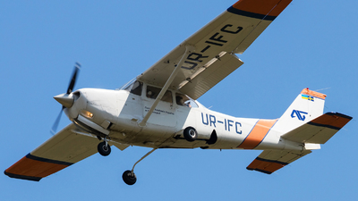 UR-IFC - Cessna 172RG Cutlass RG - Private