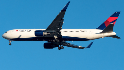 A picture of N178DZ - Boeing 767332(ER) - Delta Air Lines - © Yan777