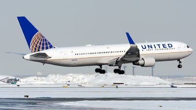N662UA - Boeing 767-322(ER) - United Airlines