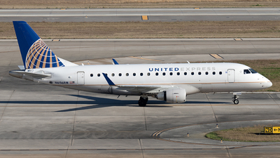 A picture of N656RW - Embraer E170SE - United Airlines - © Yixin Chen