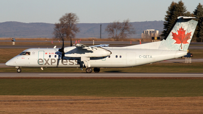A picture of CGETA - De Havilland Canada Dash 8300 - Air Canada - © Daniel Lapierre Forget