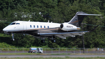 A picture of N580FX - Bombardier Challenger 350 - Flexjet - © Huy Do