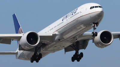 A picture of N2142U - Boeing 777322(ER) - United Airlines - © CHA CHA