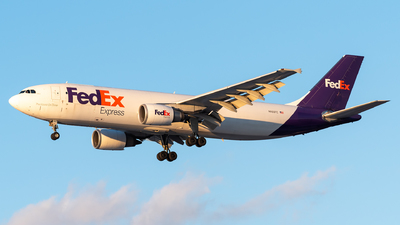 A picture of N665FE - Airbus A300F4605R - FedEx - © Evan Dougherty