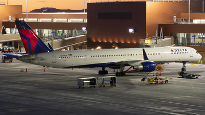 A picture of N591NW - Boeing 757351 - Delta Air Lines - © Michael Rodeback