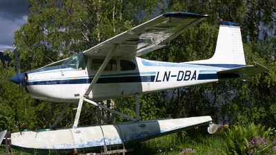 LN-DBA - Cessna 180C Skywagon - Private