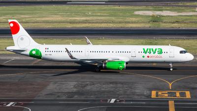 A picture of XAVBI - Airbus A321231 - VivaAerobus - © Hector Montes de Oca