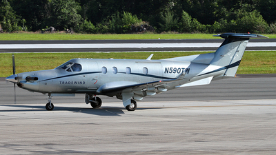 A picture of N590TW - Pilatus PC12/45 - Tradewind Aviation - © Angel Natal