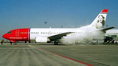 LN-KKP - Boeing 737-3M8 - Norwegian