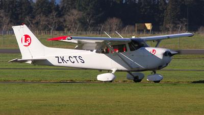 ZK-CTS - Cessna 172S Skyhawk - L3 Airline Academy