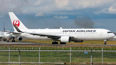 JA617J - Boeing 767-346(ER) - Japan Airlines (JAL)