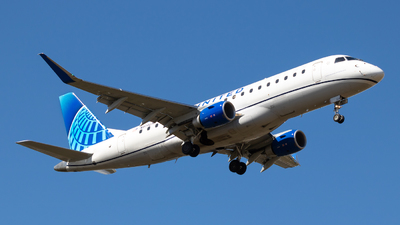 A picture of N614UX - Embraer E175LL - United Airlines - © Sean Asay