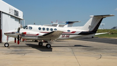 5R-AME - Beechcraft B200 Super King Air - Private