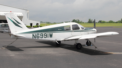 N6991W - Piper PA-28-140 Cherokee - Private