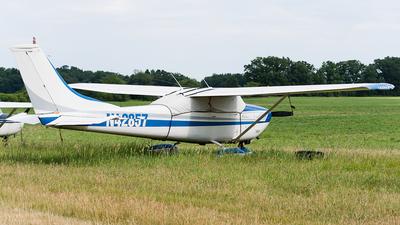 N42857 - Cessna 182L Skylane - Private