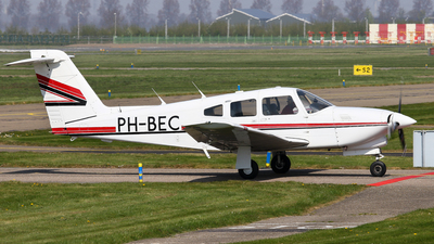 A picture of PHBEC - Piper PA28RT201T - [28R8131041] - © BaszB
