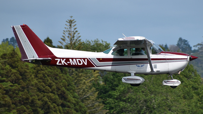 A picture of ZKMDV - Cessna 172N Skyhawk - [17273249] - © Sean Avery