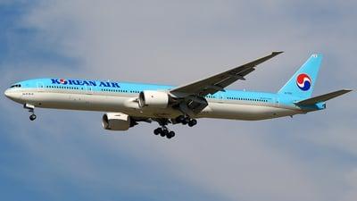 HL7532 - Boeing 777-3B5 - Korean Air