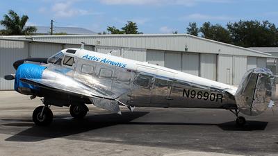 N9690R - Beechcraft G18S - Aztec Airways